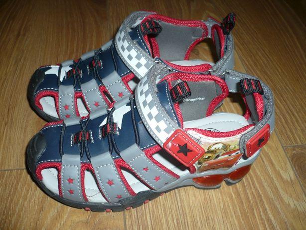 Nowe chłopięce sandałki