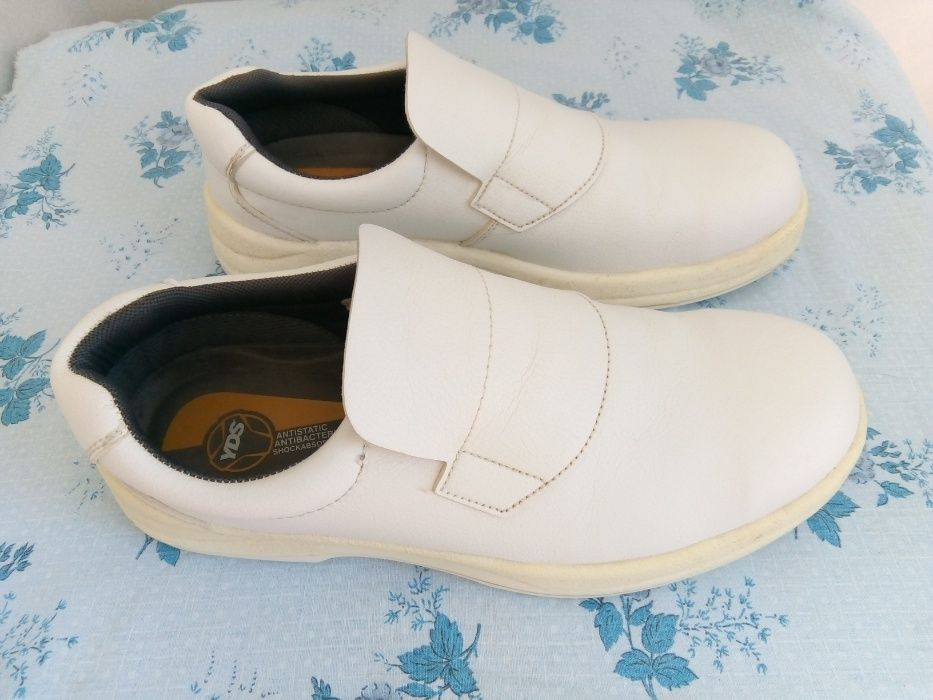 Sapatos de cozinha 44 Loulé - imagem 1