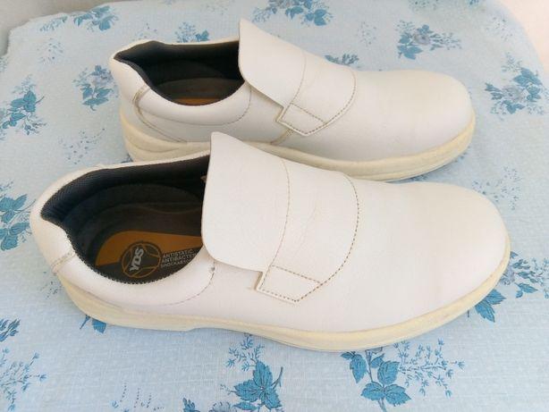 Sapatos de cozinha 44