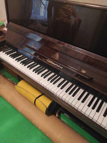 Піаніно Фортепіано Ласточка