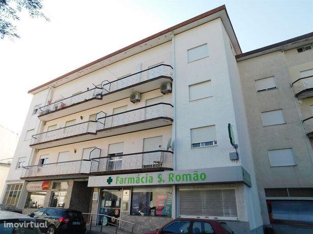 Apartamento no centro T2 São Romão Seia