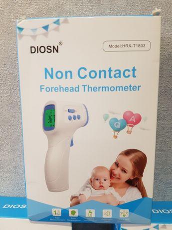 Безконтактный ифракрасный цифровой термометр.