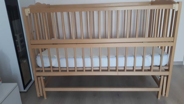 Дитяче дерев'яне ліжко з маятником колиска з матрасом