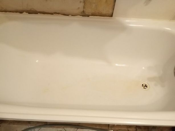 Wanna i umywalka z nogą