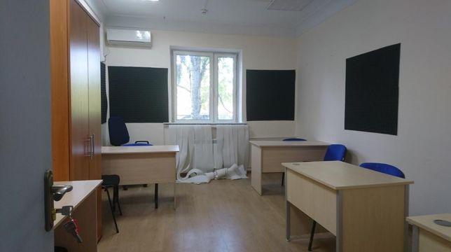 Офисное помещение в аренду с ремонтом и мебелью м. Лукьяновская