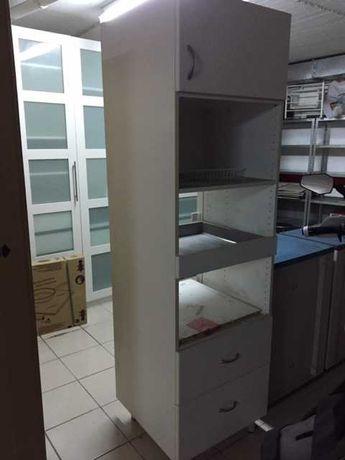 Armário cozinha - Arrumação + Microondas + Prateleira extraivel