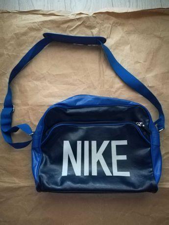 NIKE Original vintage oldschool   torba Flight Bag . Wymiary 40cm*32cm