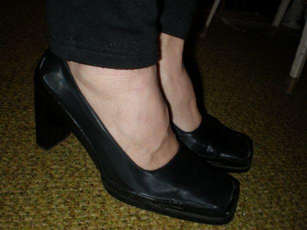 Черные туфли с квадратным носком,37,5