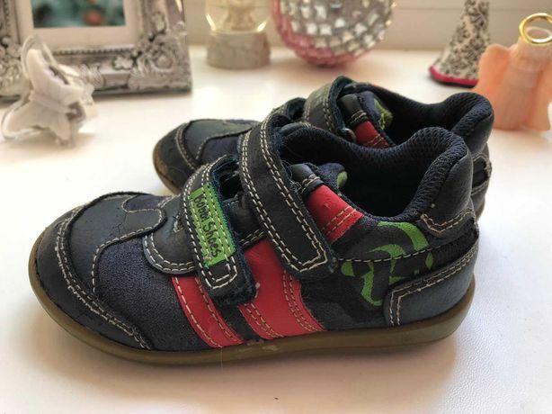 Детские кроссовки на мальчик размер 24