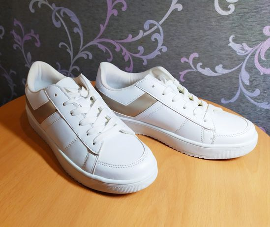 Продам кроссовки подростковые для девушки р. 38