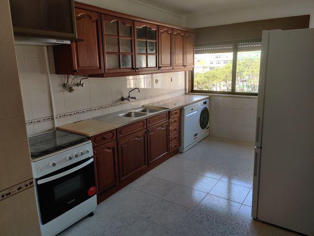 Apartamento T2 em Rio de Mouro Equipado