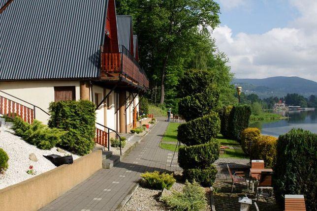 Domki nad jeziorem, w górach, Międzybrodzie B., Beskidy, wakacje, bon