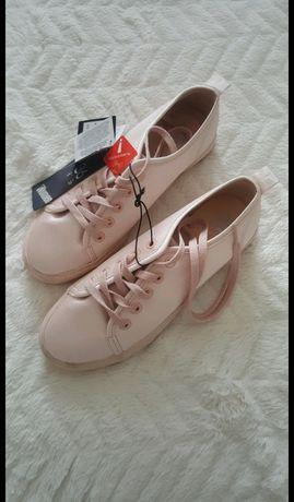 Buty tenisówki trampki NOWE
