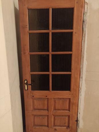 Двери межкомнатные деревянные с коробками, наличниками и фурнитурой