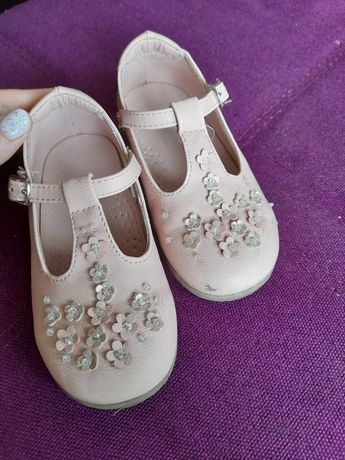 Туфелькі на дівчинку