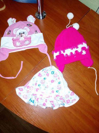 Весна-лето шапочки продам на девочку до года недорого