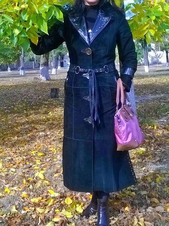 Продам стильное пальто, плащ. натуральная замша.