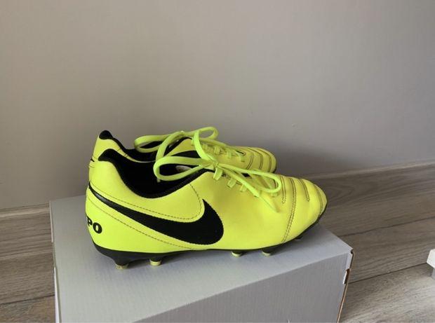 Korki Nike Tiempo ( stan bardzo dobry)