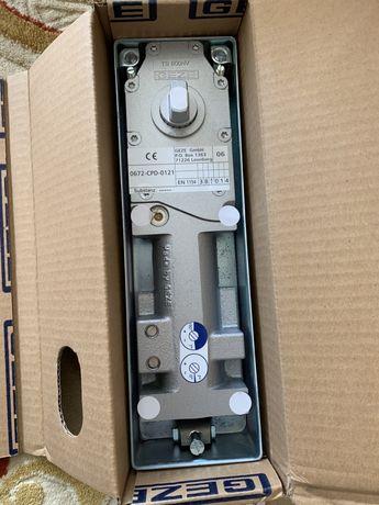 Доводчик напольный geze TS 500 NV с Фиксацией