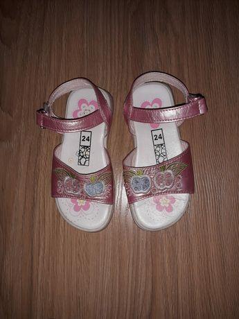 Dziewczęce sandałki