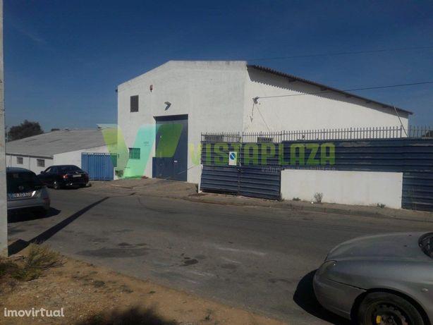 Excelente Armazém para Venda em Portimão Zona Industrial