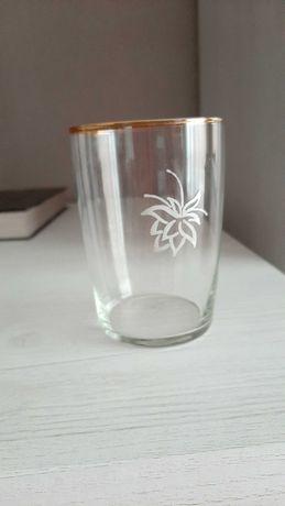 Продам стаканы новые