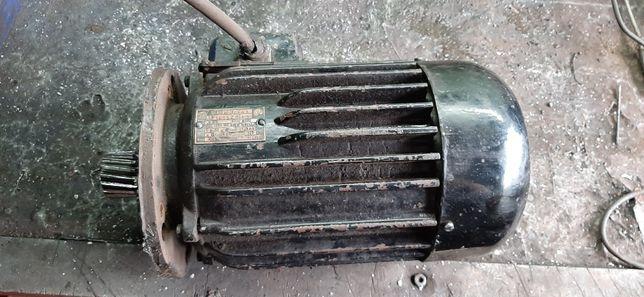 Silnik elektryczny 230 / 380 v