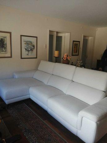 Sofá chaise longue com poucos meses de uso