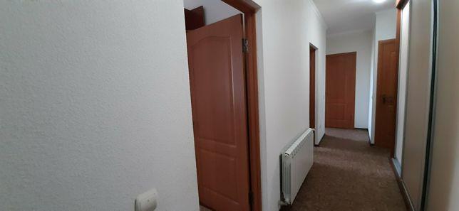 Продається 3 кімнатна квартира(новобудова) біля площі Корятовича
