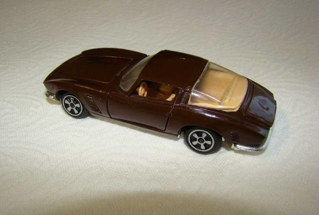 Масштабная модель автомобиля Изо Грифо Iso Grifo масштаб 1/43 ДФИ