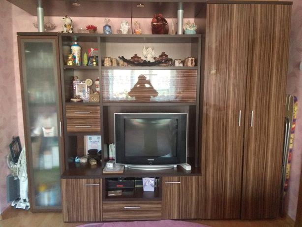 Продам меблі у вітальню