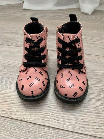 Ботинки на девочку Zara