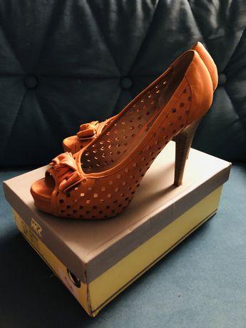 Czolenka buty na obcasie szpilki skorzane 37