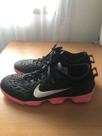 Nike tenis (tam:37,5)