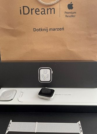 Apple Watch 4 Nike+ 40mm Silver