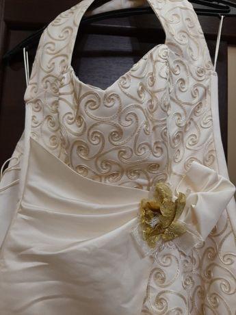Весільне/випускне плаття