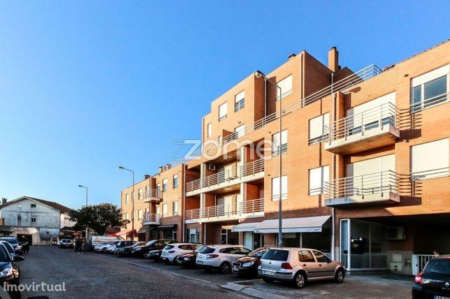 T2 para arrendamento junto ao Hospital de S. João
