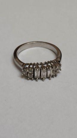 Srebrny pierścionek pr. 926