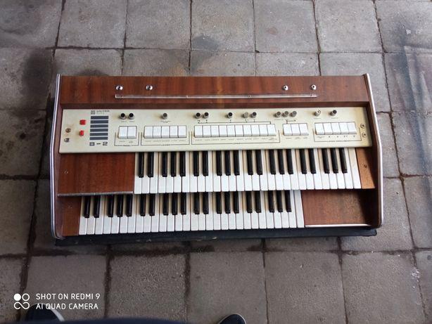 Organy UNITRA b2