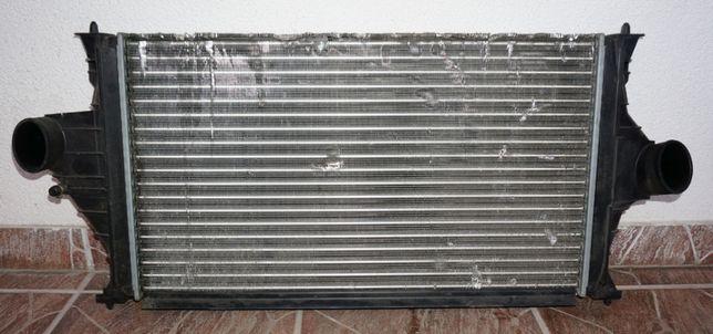 Chłodnica powietrza intercoolera Peugeot 406 2.0 HDI używana
