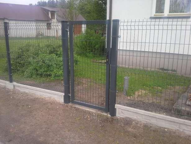 Montaż ogrodzeń z paneli i siatki