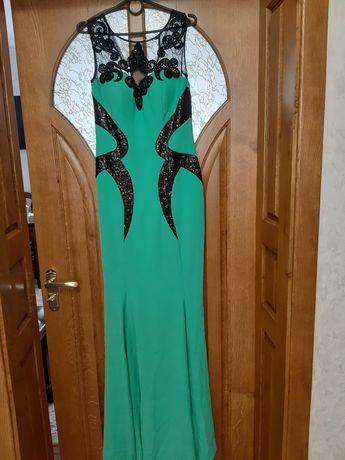 СРОЧНО!!!Продаю красивое мятное платье!