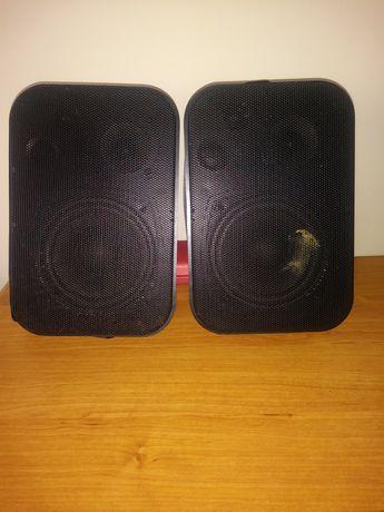 Głośniki zewnętrzne w obudowie