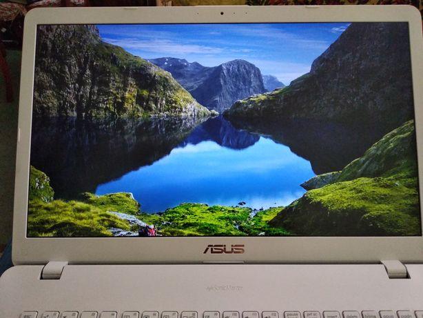 Ноутбук ASUS VivoBook 17