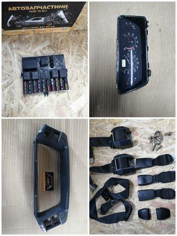 Ремни безопасности рамка щиток приборов блок предохранителей Ваз 2110