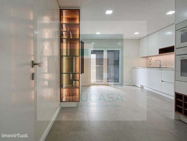 Apartamento T3 na Urbanização Portas Do Montijo- Várias T...