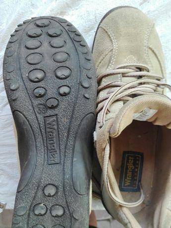 Продам туфельки замшевые