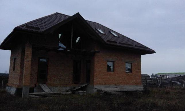 Продам хороший участок с недостроеным домом .