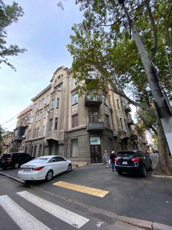 Продам 6-комнатную квартиру в центре пл.Льва Толстого. 1N11