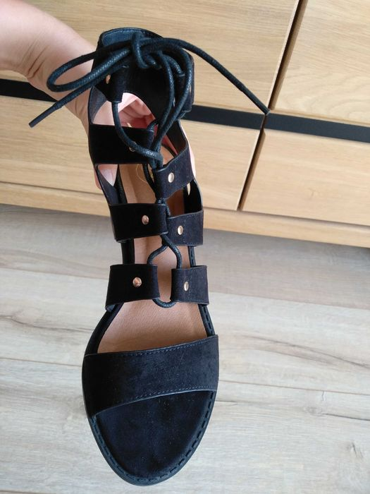 Piękne, bardzo modne sandałki 38 Gniezno - image 1
